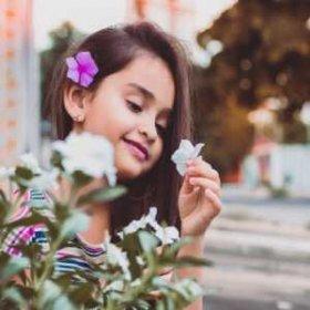 Детский букет: какие цветы подарить малышу